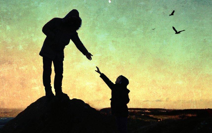 """""""De ce vrei să """"ajuți"""" când nu ți se cere/permite"""" – Nicoleta Svarlefus"""